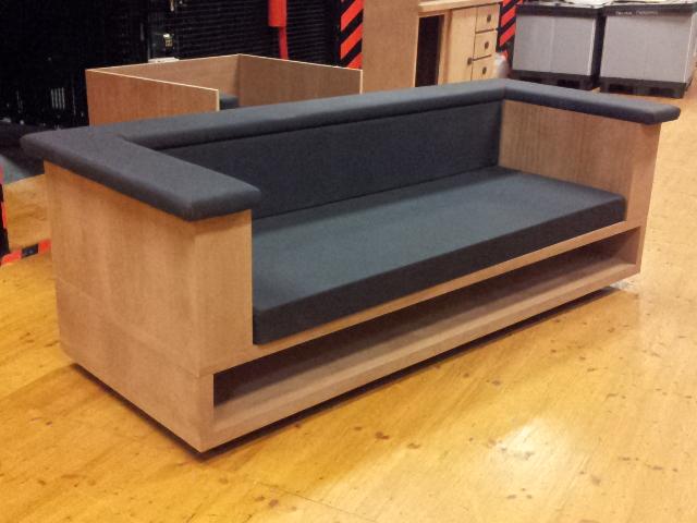 Como hacer un sof para brokeback mountain real props for Como hacer un sillon con una cama